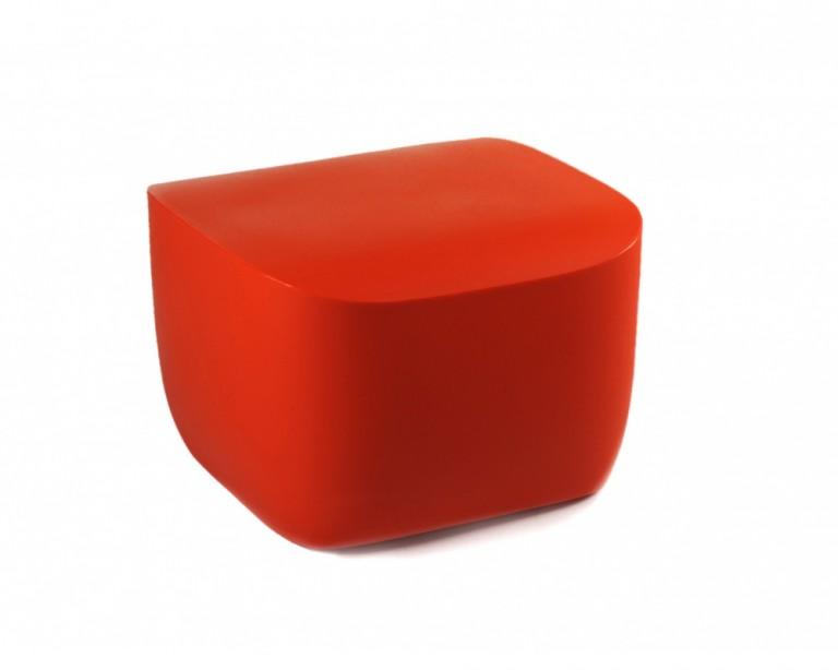 pouf-table TRANSLATION Qui est Paul rouge